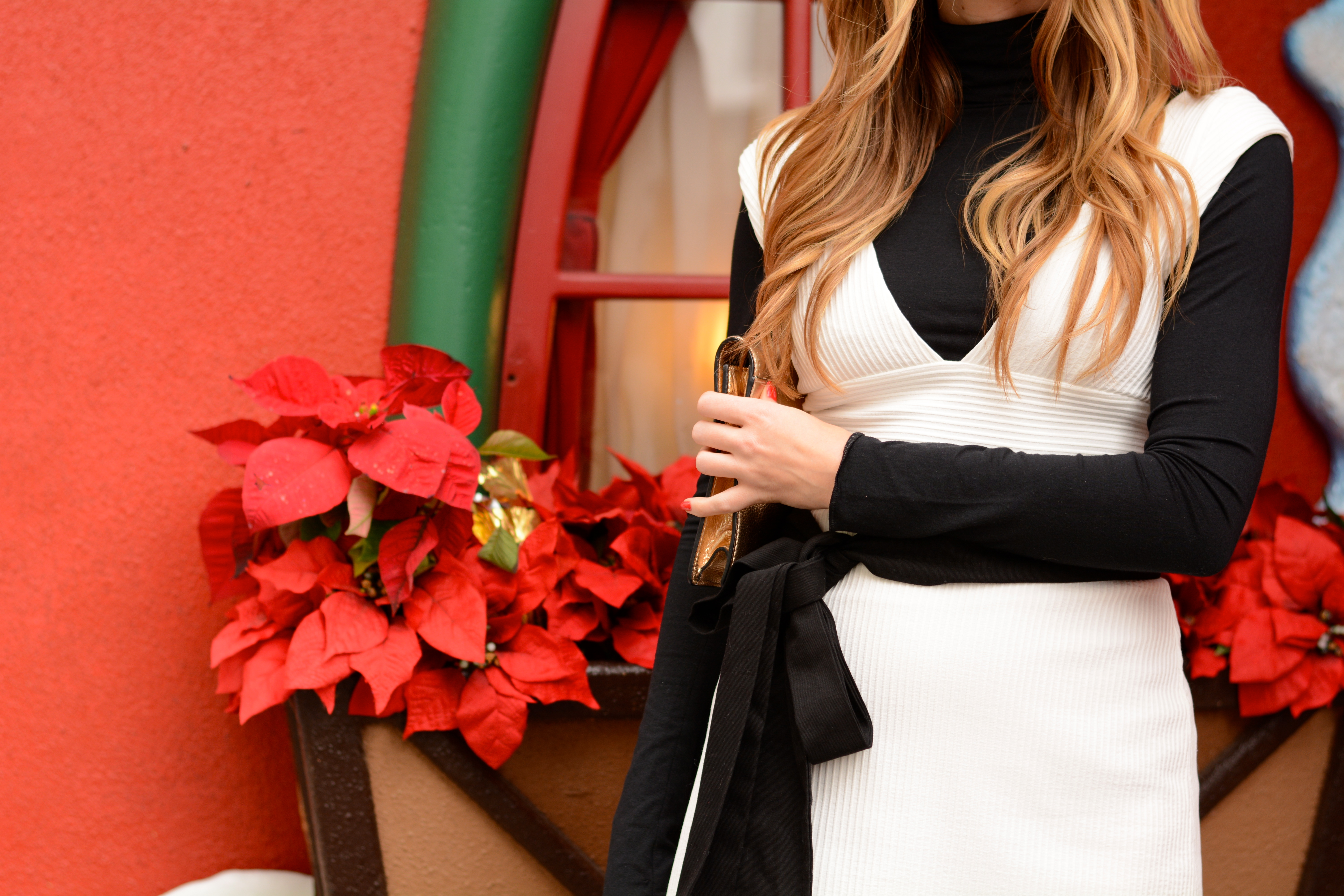 Holiday outfit inspiration, How to style long hair, holiday outfit ideas, holiday outfits